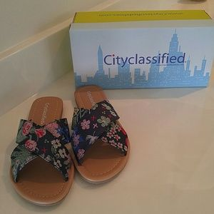 Cityclassified Shoes - 🎉LAST 1🎉BLUE EMBROIDERED SLIP ON  SANDALS👠